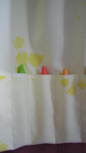 crayon apron pocket